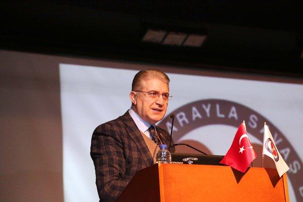 """Dr. Mustafa Aydın: """"Sigaranın son molekülü yok oluncaya kadar mücadele edeceğiz"""""""