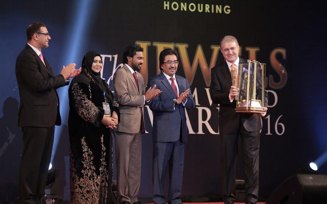 İslam Dünyası Yılın Eğitimcisi Ödülü Dr.Mustafa Aydın'a Verildi