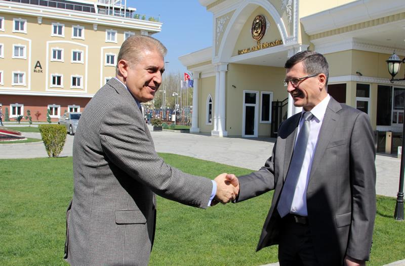 Rusya Başkonsolosluğu'nun İAÜ Ziyareti