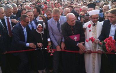 Ruhani Liderler, Siyaset ve İş Dünyası Öncüleri Darbeye Karşı Bir Arada