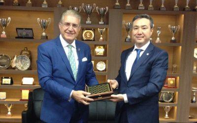 Kazakistan Başkonsolosu'ndan İAÜ'ye Ziyaret