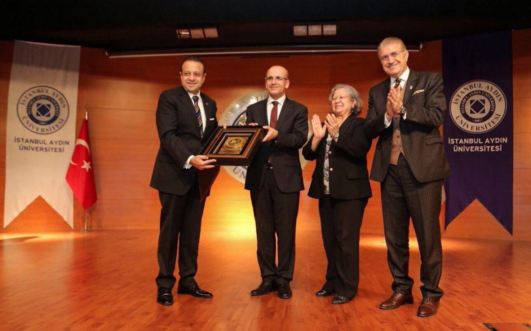 Başbakan Yardımcısı Mehmet Şimşek İstanbul Aydın Üniversitesi'nde