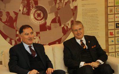 İAÜ'de Ombudsmanlık Sempozyumu Düzenlendi